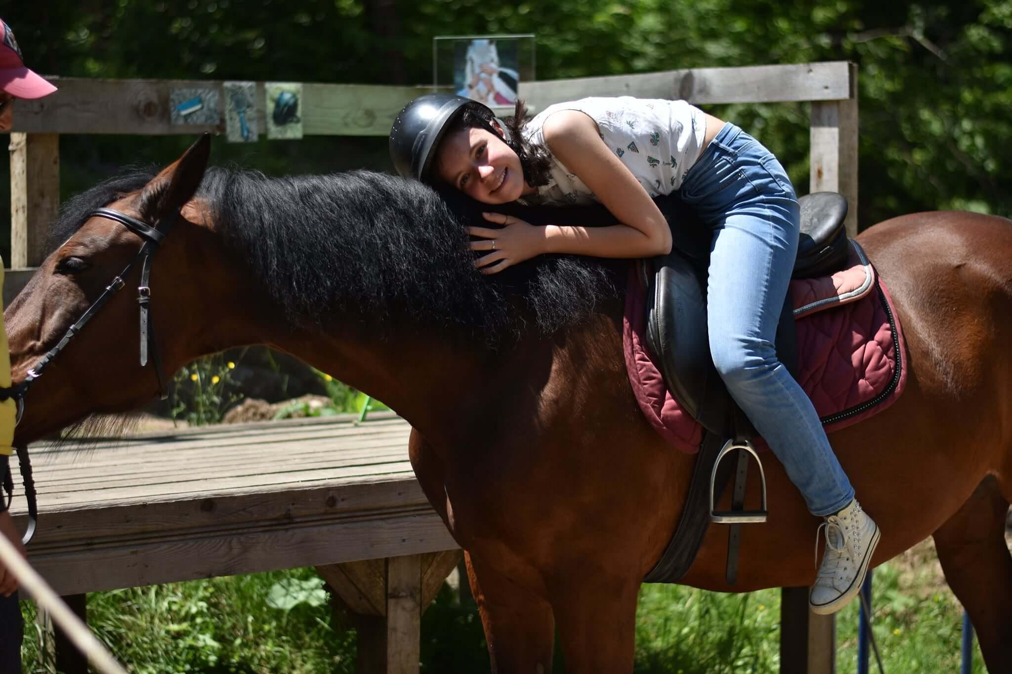 7 здравословни ползи от ездата на коне