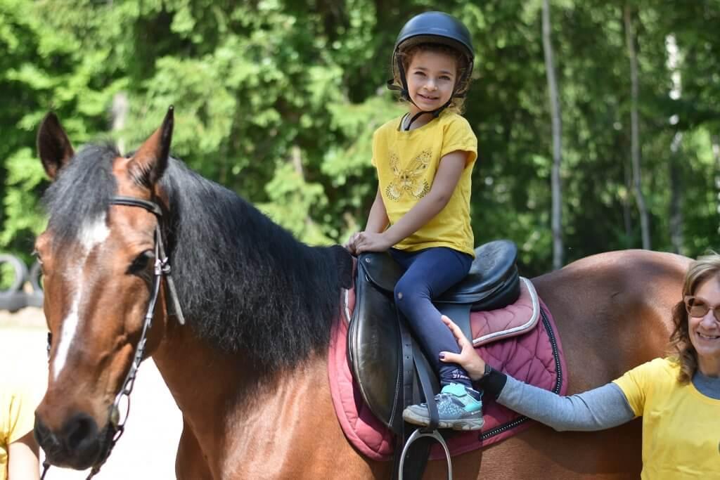Ездата на коне за изправена стойка